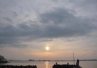 120416 朝の湖岸